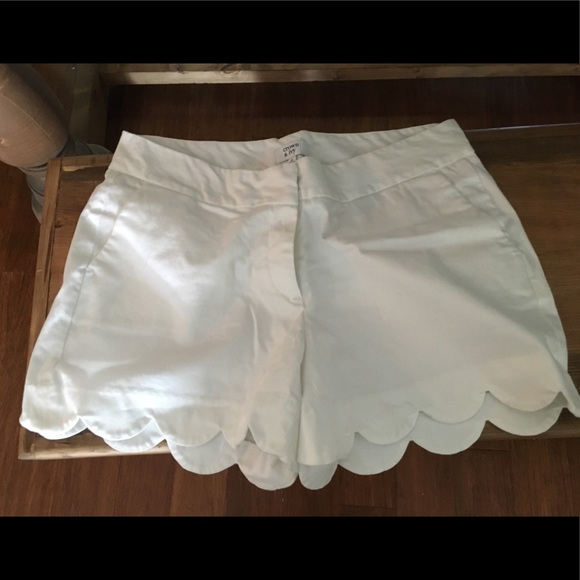 crown & ivy Pants - Crown and Ivy white shorts